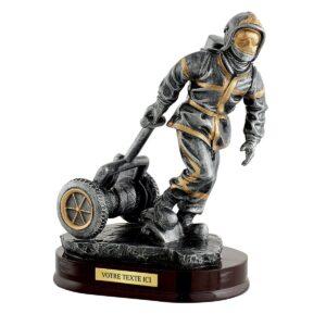 Trophée Pompiers en résine RS0881A